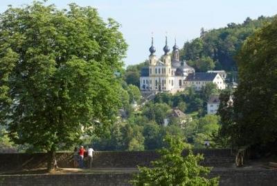 Blick von der Festung Marienberg auf das Käppelle in Würzburg: Ein vor zweihundertfünfzig Jahren errichtetes Marien-Heiligtum