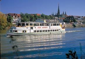 Mainschifffahrt bei Würzburg