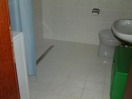 Nach Einbau einer bodengleiche Dusche