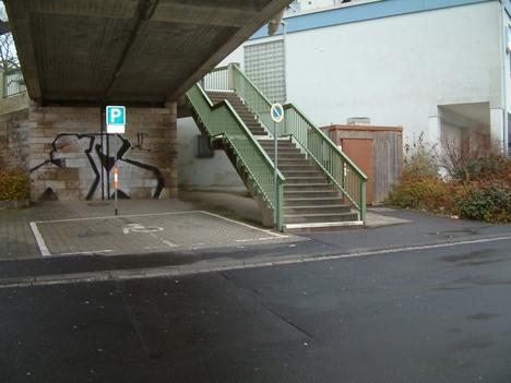 Place de Caen - Behindertenparkplatz
