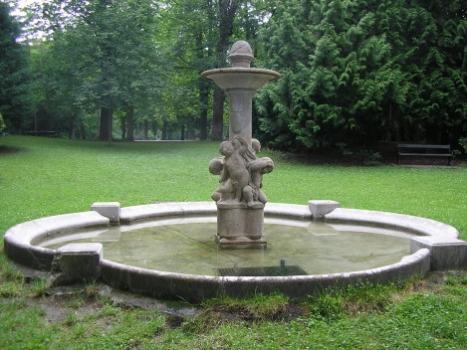 Ruschkewitz-Brunnen, Quelle: Gartenamt