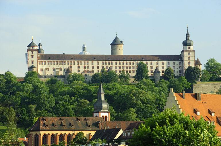 Festung Marienberg mit Deutschhauskirche