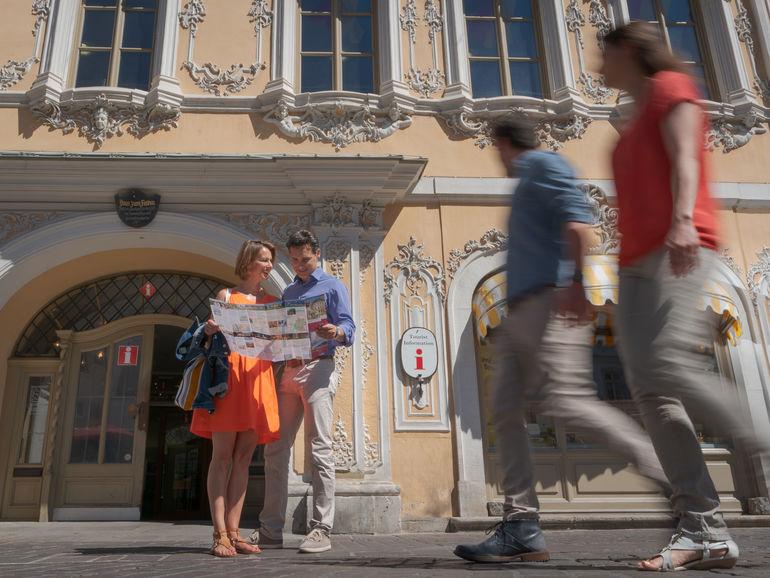 Tourist Information & Ticket Service im Falkenhaus am Markt