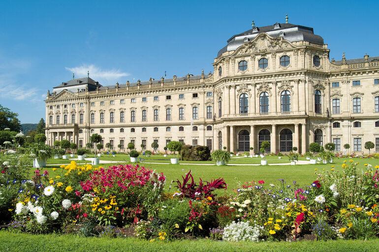 Residenz mit Hofgarten (c) CTW_Andreas Bestle