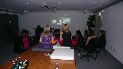 Kino im Konferenzraum_kleiner