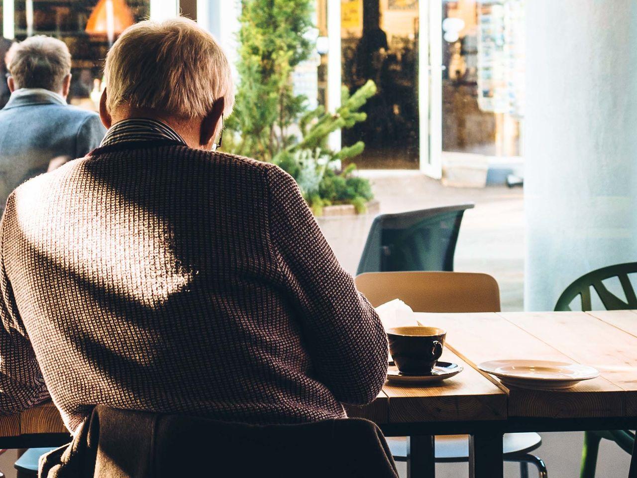 Bild: Cafe mit Gast