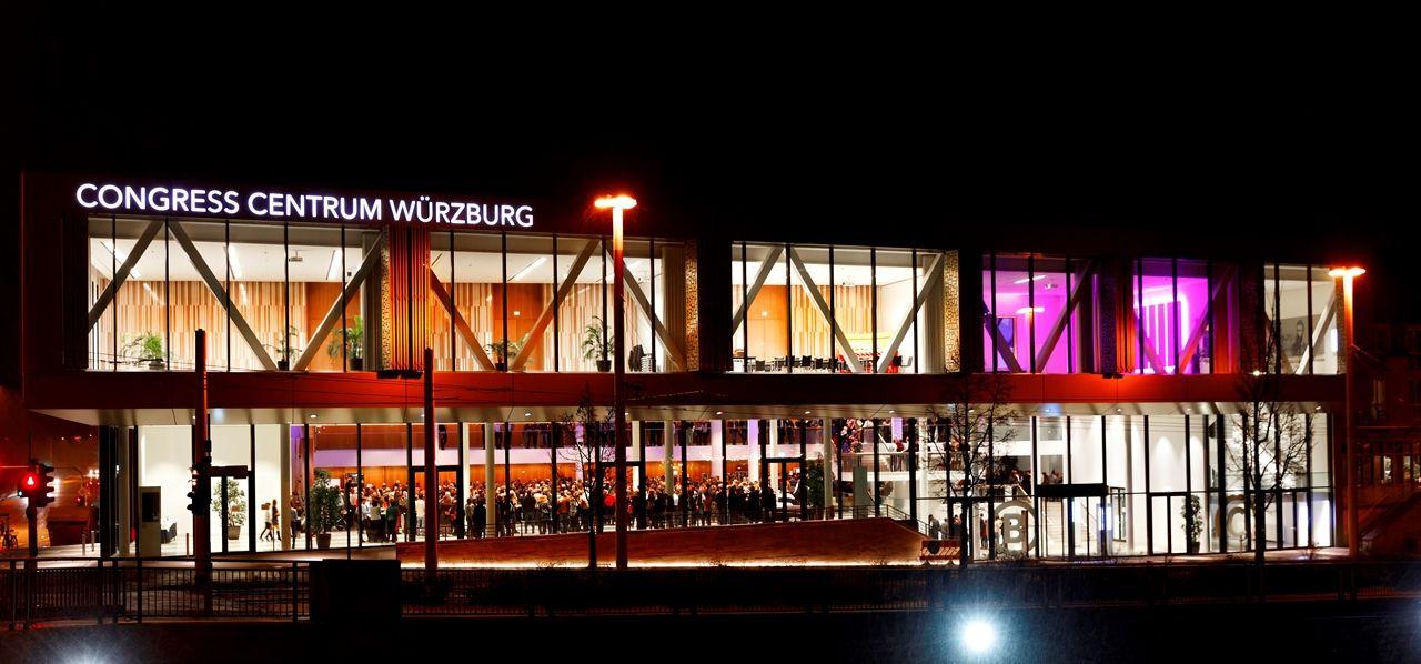 Congress Centrum Außen Nacht