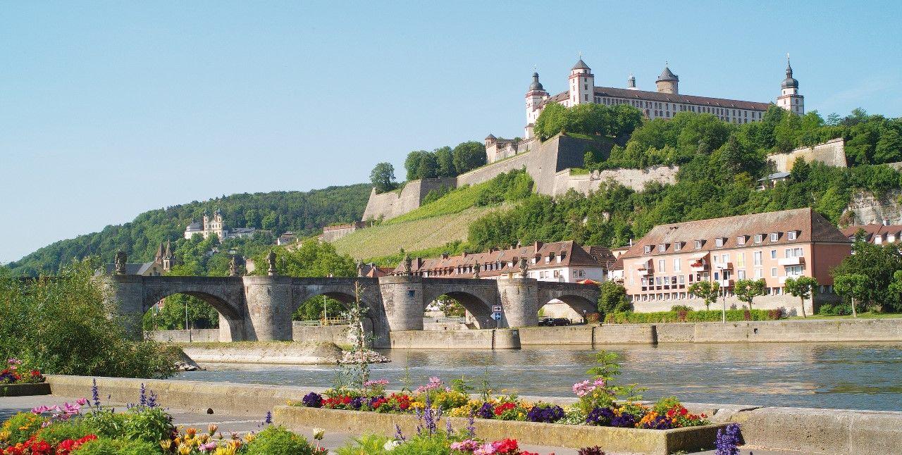 Würzburg mit Festung Marienberg