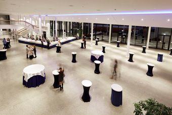 Franconia-Foyer night