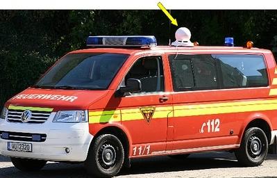 Mobile Sirene auf dem Dach eines Mehrzweckfahrzeuges