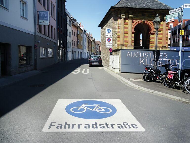 Fahrradstrasse_05_Adrien