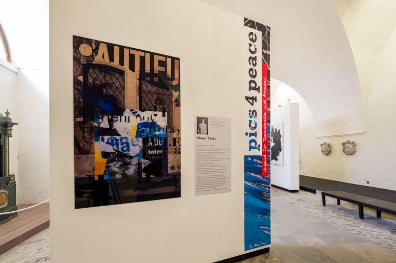 Pics4Peace: Blick in die Ausstellung im Museum für Franken