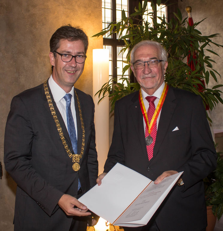 Behr-Medaille an Dr. Paul Beinhofer