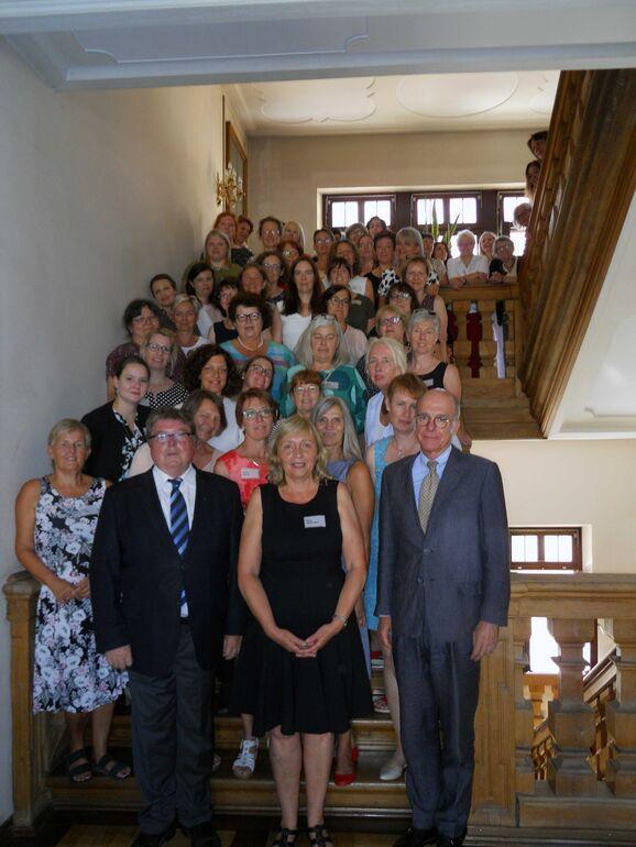 Gruppenbild: Am 2. und 3. Juli 2019 fand in Würzburg die Jahressitzung der Landesarbeitsgemeinschaft bayerischer Gleichstellungsstellen (LAG) in Würzburg statt.