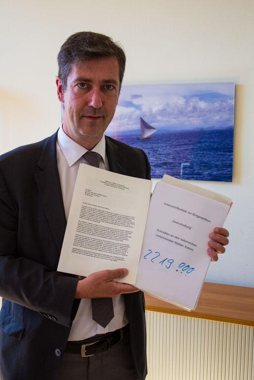 Bürger-Petition: Über 2200 Unterschriften: Oberbürgermeister Christian Schuchardt in seinem Amtszimmer