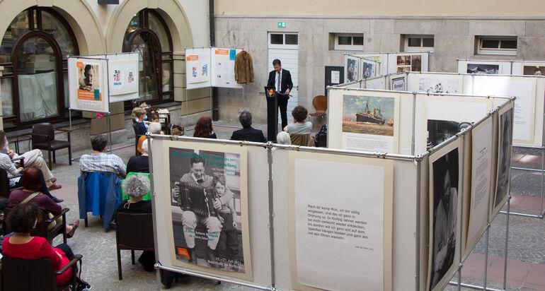 Ausstellungseröffnung Max Mohr