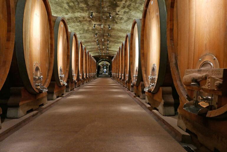Juliusspital Weingut Historischerholzfasskeller